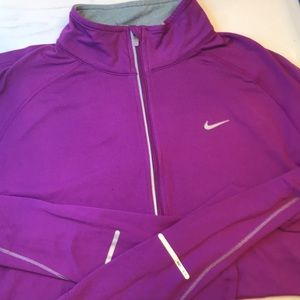 TWO Nike active tops long sleeve